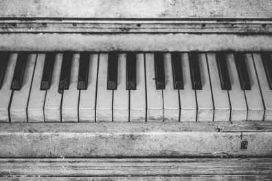 piano-instrument-music-keys-159420.jpeg